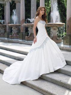 Elegant White A-line Sweetheart Neckline Wedding Dress