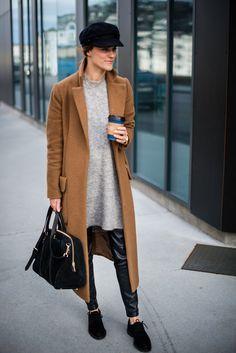 Blogger Sara Strand with our 343 Big Hand Shopper
