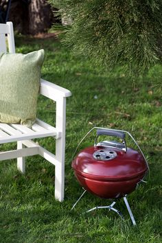 If you prefer to BBQ on the go the is the one for you! Smokey Joe, Charcoal Bbq, Outdoor Living, Outdoor Decor, Beer Garden, Diy Supplies, Outdoor Entertaining, New Furniture, Garden Projects