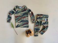 Gender neutral Baby Clothes.Going Home Outfit Newborn Take | Etsy Baby Going Home Outfit, Take Home Outfit, Newborn Outfits, Baby Boy Outfits, Cute Outfits, Fall Family Picture Outfits, Baby Boy Romper, Gender Neutral Baby, Beautiful Outfits