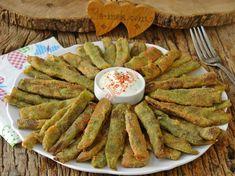 Mısır Unlu Taze Fasulye Kızartması Tarifi Pesto, Yogurt, Food And Drink, Chicken, Breakfast, Desserts, Recipes, Waffles, Roman