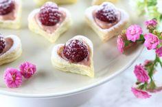 Die schönsten Valentinstags Ideen von Mary Loves - Blätterteig-Herzen mit Himbeer-Vanillepudding - Gastbeitrag im Kochportal