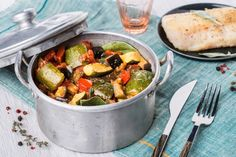 Ratatouille Cookeo Kung Pao Chicken, Sprouts, Potato Salad, Food And Drink, Potatoes, Meat, Baking, Vegetables, Ethnic Recipes