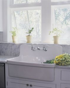 Apron Sink - Design photos, ideas and inspiration. Amazing gallery of interior design and decorating ideas of Apron Sink in laundry/mudrooms, bathrooms, kitchens by elite interior designers. Rustic Kitchen Sinks, Vintage Farmhouse Sink, Vintage Kitchen Sink, Vintage Sink, Kitchen Sink Design, Farmhouse Kitchen Cabinets, Kitchen Sink Faucets, Modern Farmhouse Kitchens, Farmhouse Sinks