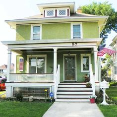 Hard to believe this handsome American Foursquare was a dilapidated foreclosure property before these homeowners worked their magic on it. See the before and afters here!