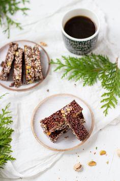 Suklaa-quinoapalat / Chocolate quinoa bars