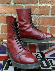 Dr Martens 1970s And England On Pinterest