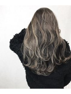 Hair grey ombre short style 23 Ideas for 2019 Ombre Hair Color, Cool Hair Color, Brown Hair Colors, Grey Ombre, Medium Hair Styles, Short Hair Styles, Dark Blonde Balayage, Black Hair Extensions, Hair Mask For Growth