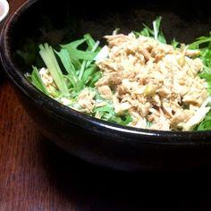 こちらもかなり簡単サラダ(*^o^*) でもとっても美味しいです☆! - 1件のもぐもぐ - ツナと水菜のサラダ by yaaayooo