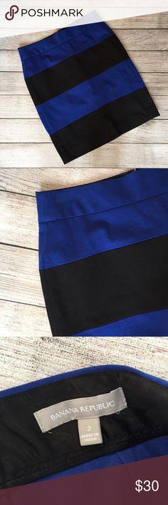 "Banana Republic Pencil Skirt Blue and Black pencil skirt. Hidden back zipper closure. 19""L. Excellent condition 🚫NO TRADES/NO MODELING🚫✅BUNDLE TO SAVE✅ Banana Republic Skirts Pencil"