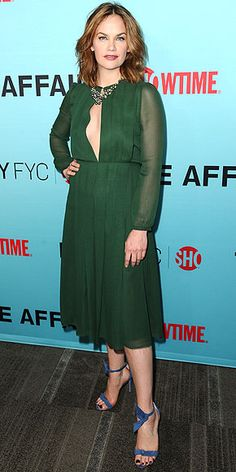 RUTH WILSON in a forest green midi dress with a plunging keyhole neckline and sheer sleeves, punctuated with a statement necklace and ankle-strap sandals Green Dress Casual, Green Midi Dress, Casual Dresses, Celebrity Red Carpet, Celebrity Style, Selena Gomez Red Carpet, Trip The Light Fantastic, Fashion Fail, Little White Dresses
