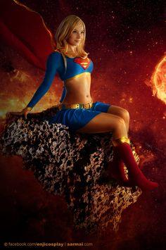 Enjinight is Supergirl — Photo by Sarmai Balazs