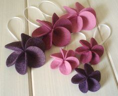 Yet more felt flowers