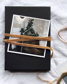 Minimal gift wrap with velvet ribbon. #giftwrappingideas #christmaswrapping #velvetribbon #velvet #minimalchristmas