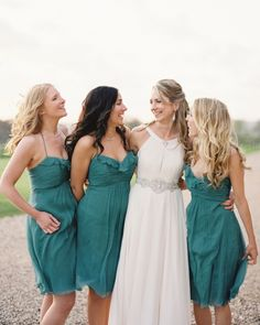 15 Cute and Creative Ways to Ask Your Best Friends to Become a Bridesmaid