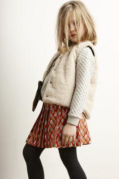 Lookbook Bellerose Kids collection FW'16 / Coat Estel - Sweatshirt Ley62 - Bag coxy - Tights Foxy62