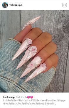 30 große Stiletto Nail Art Design-Ideen – Nails – … – lol You can collect images you discovered organize them, add your own ideas to your collections and share with other people. Simple Wedding Nails, Wedding Nails Design, Glam Nails, Bling Nails, Bling Nail Art, Chanel Nails, Nagel Bling, Bridal Nail Art, Stiletto Nail Art