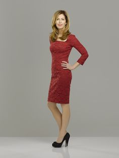 Love This Show-Body of Proof Dana Delany, Most Beautiful Women, Beautiful Actresses, Lady In Red, Redheads, Celebrity Style, Sexy Women, Dresses For Work, Celebs