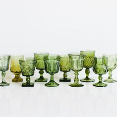 Vintage Colors, Vintage Green, Before Wedding, Wine Goblets, Mason Jar Wine Glass, Pressed Glass, Vintage Glassware, Vintage Dishes, Colored Glass