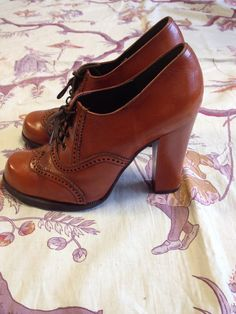 rare 1970 Derby shoes/ size 7 by pinkbanana3 on Etsy, $160.00