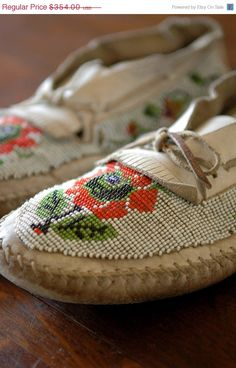 ON SALE Antique Beaded Moccasins // White Wilderness by 86home, $283.20