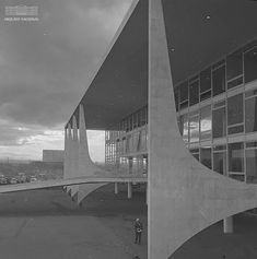 Palácio do Planalto, Brasília (DF), anos 1960. Arquivo Nacional. Fundo Agência Nacional. BR_RJANRIO_EH_0_FOT_PRP_07546_0018. Cultural, Opera House, Building, Travel, National Archives, Voyage, Buildings, Viajes, Traveling