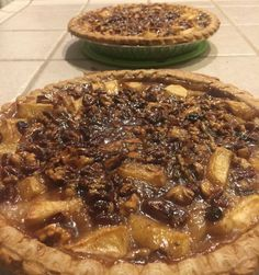 Had to go with my baking side tonight. Pecan/walnut apple pear pie. #baking #pie #preholidayfood