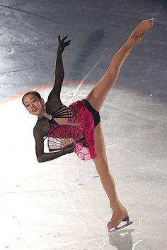 Gymnastics Pictures, Sport Gymnastics, Stock Pictures, Stock Photos, Japanese Figure Skater, Athletic Girls, Ice Skaters, Olympians, Figure Skating