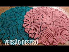 Tapete flor de abacaxi / versão destro - YouTube Crochet Doily Patterns, Crochet Doilies, Knitting Patterns Free, Free Pattern, Pineapple Crochet, Crochet Videos, Crochet Scarves, Diy And Crafts, Crochet Edgings