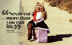 """7 Miss Piggy Quotes That Make Us Glad She's Not """"Delicate and Lovely""""   Bustle"""