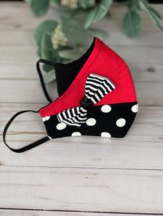 Black And White Face, White Face Mask, Red Black, Easy Face Masks, Diy Face Mask, Mask Design, Design Art, Design Ideas, Fashion Face Mask