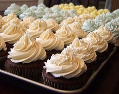 How to Make Wedding Cupcakes - by Lori Lange. All of the recipe links are at the bottom of her page (even a sugar-free one). The White Wedding Cupcakes seem to be what everyone is raving about. Try her Buttercream Icing recipe too. Icing Frosting, Buttercream Recipe, Frosting Recipes, Chocolate Buttercream, Buttercream Cupcakes, White Frosting, Frosting Tips, Cupcake Icing Recipe, Yummy Cupcakes