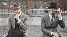 Get the best men's fashion tips and style advice. Learn about men's dress codes, where to shop online, and how to dress for any occasion. 1950s Fashion Menswear, Fifties Fashion, Fifties Style, Vintage Style, Streetwear Hats, 1950s Men, Winter Fashion Boots, Mens Fashion Week, Fashion Trends