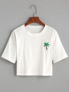 Shop White Palm Tree Embroidered Patch Crop T-shirt online. SheIn offers White Palm Tree Embroidered Patch Crop T-shirt & more to fit your fashionable needs. Cropped Tops, Cute Crop Tops, Crop Top Shirts, Crop Shirt, Shirts & Tops, Cute Shirts, Crop Top Outfits, New Outfits, T-shirt Crop