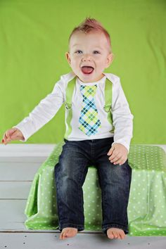 Green and Blue Tie  Suspenders Onesie http://www.letim.info/archives/25.html