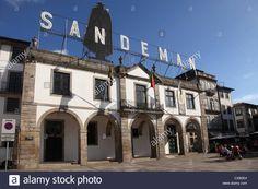 Sandeman Port Wine Lodge, Vila Nova de Gaia, Porto, Douro, Portugal, Europe