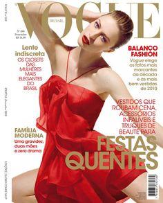 Raquel Zimmermann by Henrique Gendre Vogue Brazil December 2010 Vogue Magazine Covers, Fashion Magazine Cover, Fashion Cover, Vogue Covers, Vogue Spain, Vogue Korea, Vogue India, Vogue Russia, Raquel Zimmermann