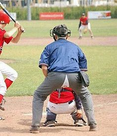 Have you ever seen embarrassing sports fails on television while watching your favorite game? Here are some of the most awkward sports moments that are hilarious and crazy captured during the play time. These ridiculous sports photos will make you say WTF Funny Sports Pictures, Sports Photos, Baseball Pictures, Sports Images, Sports Fails, Funny Poses, Base Ball, Sports Activities, Sports Humor