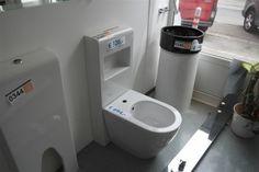 Bidet - Sanitärobjekte und Badgestaltung - Karner & Dechow - Auktionen Office Equipment, Bathtub, Bathroom, Furniture, Website, Auction, Standing Bath, Washroom, Bathtubs