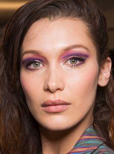 Pinterest: DEBORAHPRAHA ♥️ Bella hadid makeup ny fashion week