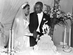 Florida Memory - Newly married African American couple cutting cake  1946