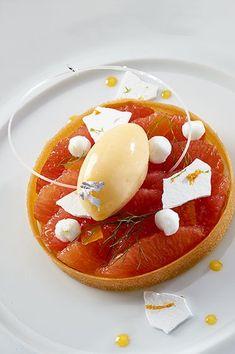 Pamplemousse rose crémeux au jus de yuzu, sablé breton et sorbet aux agrumes ©️️ Photos Thuriès Gastronomie Magazine, Pascal Lattes