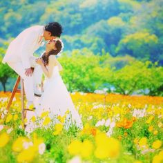 Tips For Planning The Perfect Wedding Day. A wedding should be a joyous occasion for everyone involved. The tips you are about to read are essential for planning and executing a wedding that is both Wedding Photo Images, Wedding Pics, Wedding Couples, Wedding Cards, Wedding Venues, Wedding Engagement, Cute Photography, Wedding Photography Poses, Perfect Wedding