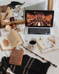 Now this is the perfect cozy afternoon -- books, Harry Potter, sweet treats and fall weather! Cozy Aesthetic, Autumn Aesthetic, Beige Aesthetic, Chocolate Caliente, Hot Chocolate, Winter Banner, Autumn Cozy, Autumn Tale, Happy Fall Y'all