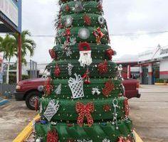 Christmas Tree Decorating Idea - An Outside TIRE Tree