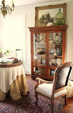 The reading room sits directly behind the living room. It is the smallest room in the house, smaller even than our master closet! Home Interior, Interior Design Living Room, Living Room Decor, Living Spaces, Interior Plants, Top Of Cabinets, China Cabinets, Home Remodeling Diy, Cabinet Decor