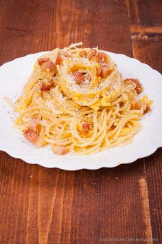 This is indeed what I really consider an authentic spaghetti alla carbonara recipe from Rome.