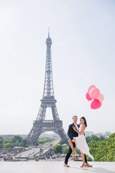 Cris is brazilian and Brian is from US. They are sweet, romantic and crazy in love. And we had a lot of fun taking their pictures in Paris ! #parisphotographer #parisengagement #photographerinparis www.theparisphotographer.com