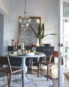 Get inspired by these dining room decor ideas! From dining room furniture ideas, dining room lighting inspirations and the best dining room decor inspirations, you'll find everything here! Boho Living Room, Living Room Decor, Living Rooms, Moroccan Decor Living Room, Bedroom Decor, Decor Room, Sweet Home, Dining Room Inspiration, Bathroom Inspiration