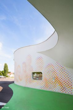 Crèches A Boulay, France designed by Paul le Quernec Education Architecture, Organic Architecture, School Architecture, Kindergarten, Parents Room, Playroom Furniture, Colour Pattern, Learning Spaces, Child Care